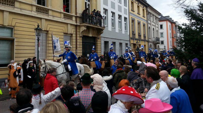 Sedieren ist tabu: Neue Regeln für Pferde im Karneval